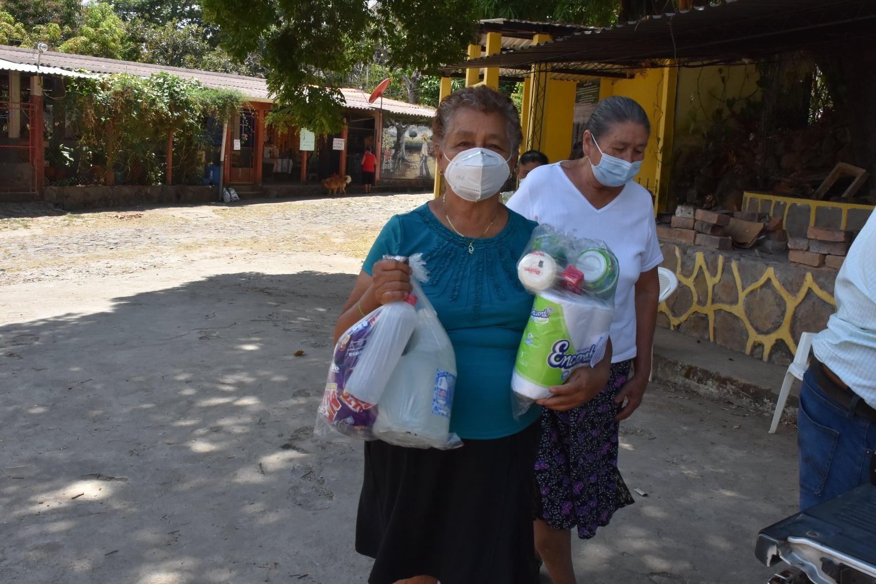 4ta entrega de kit de higiene