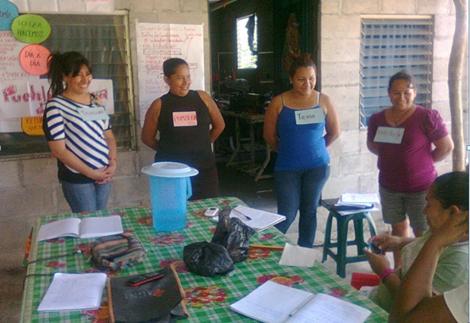 Fortaleciendo el desarrollo social y productivo de las mujeres