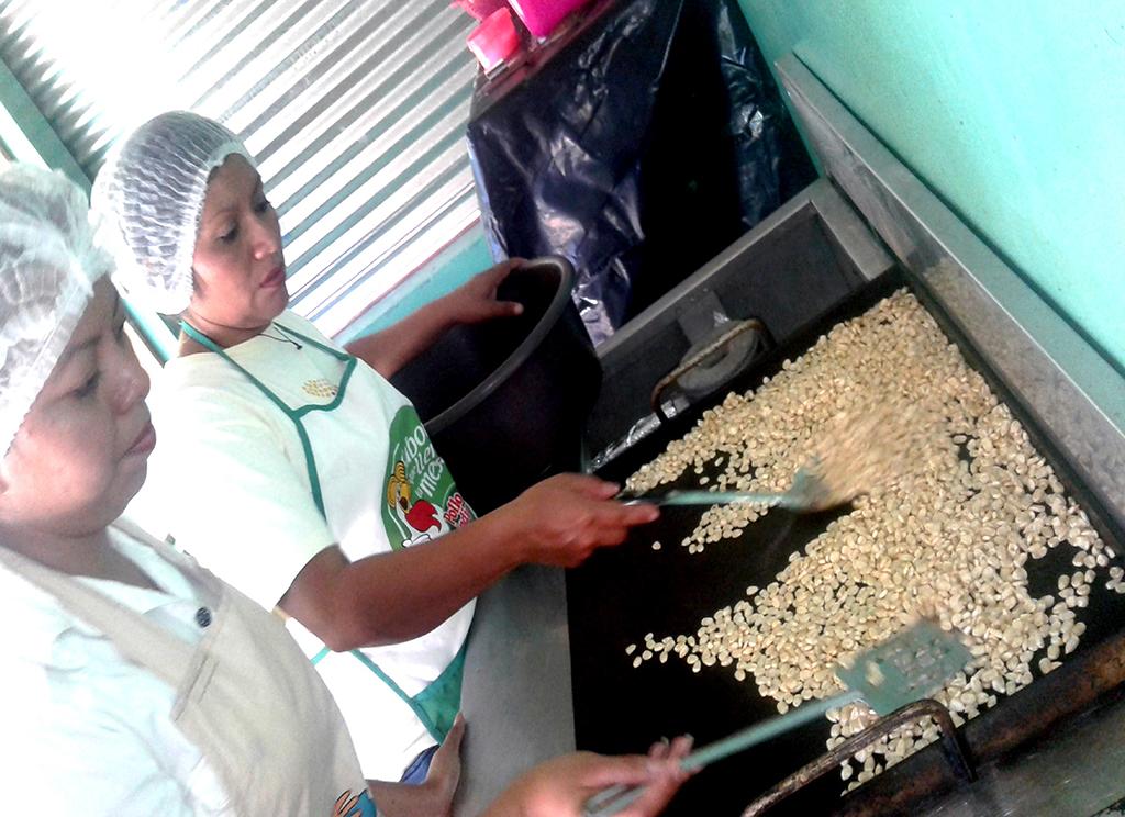 Iniciativas económicas solidarias estandarizan sus productos