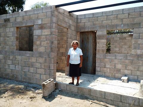 Fortaleciendo comunidades con organización, agua y vivienda