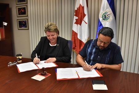 Firma de convenio REDES-Canadá