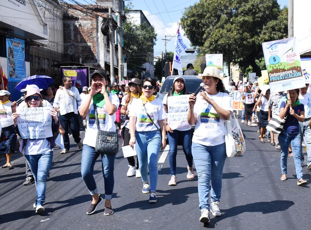 Marcha contra la privatización del Agua.