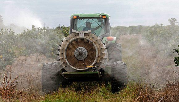 Aplicación de pesticida